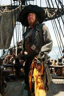 Captain Barbossa (GEOFFREY RUSH)